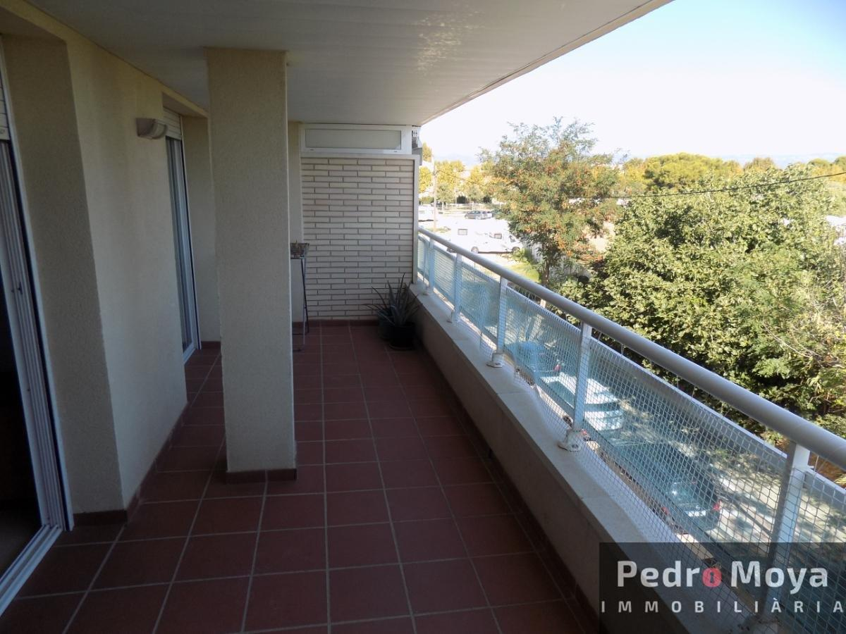 For sale of flat in Cambrils