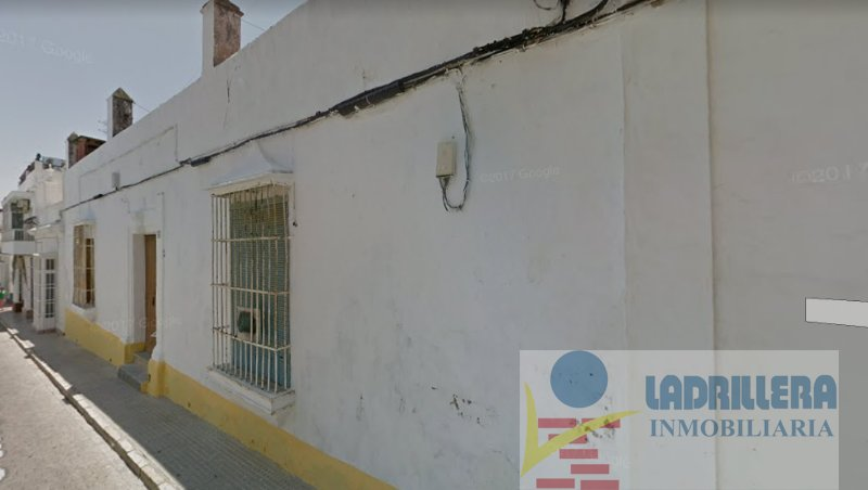 For sale of land in San Fernando