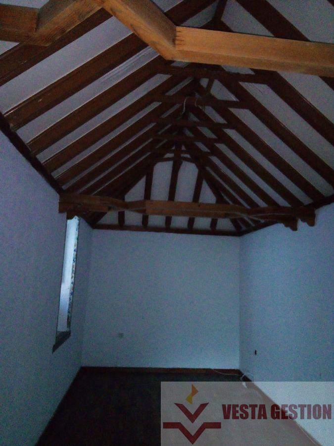 For sale of house in San Fernando