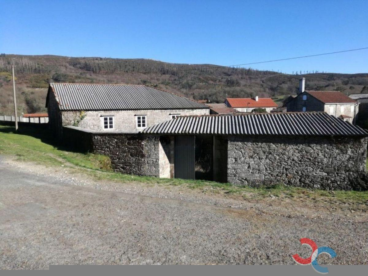 For sale of house in A Estrada