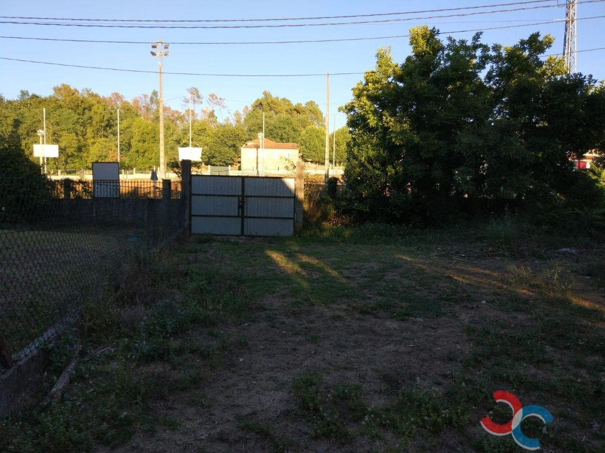 For sale of house in Ponteareas
