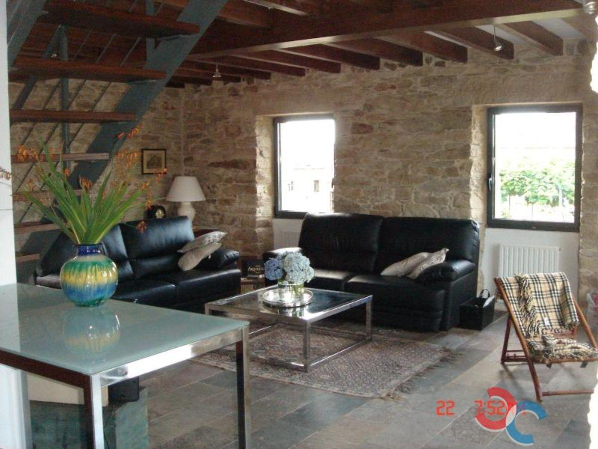 For sale of house in Vicedo O
