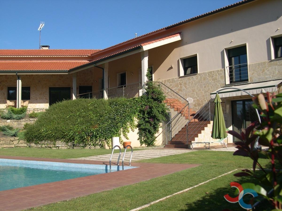 For sale of chalet in A Coruña