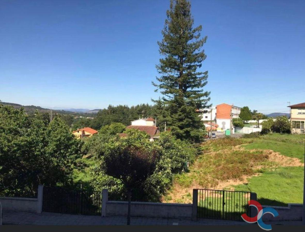 For sale of flat in Covelo