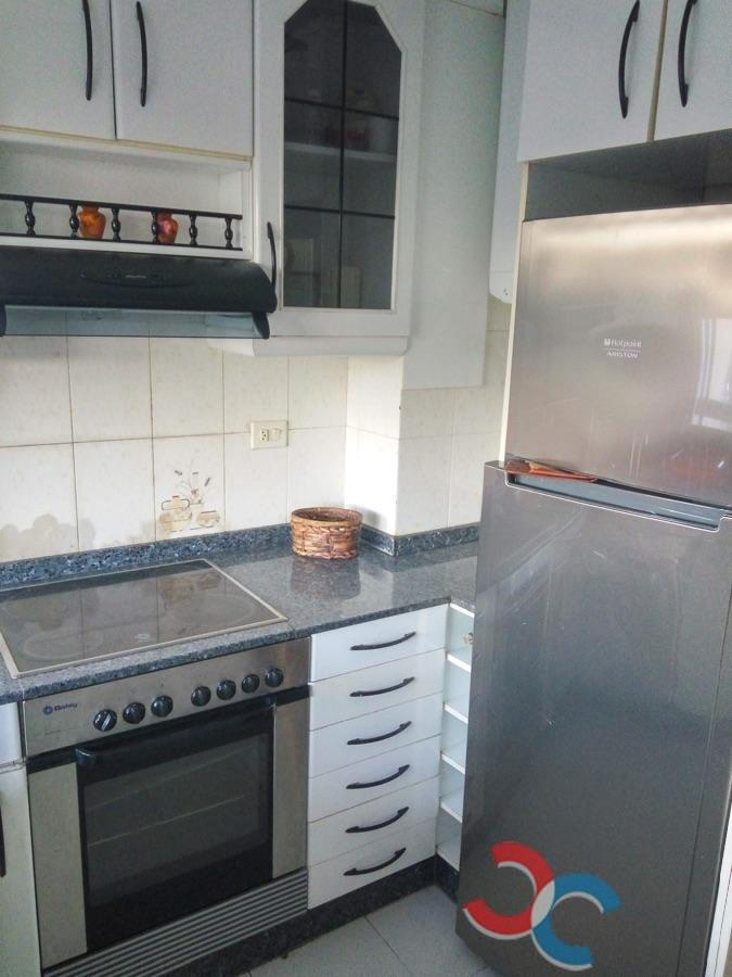 For sale of flat in A Cañiza