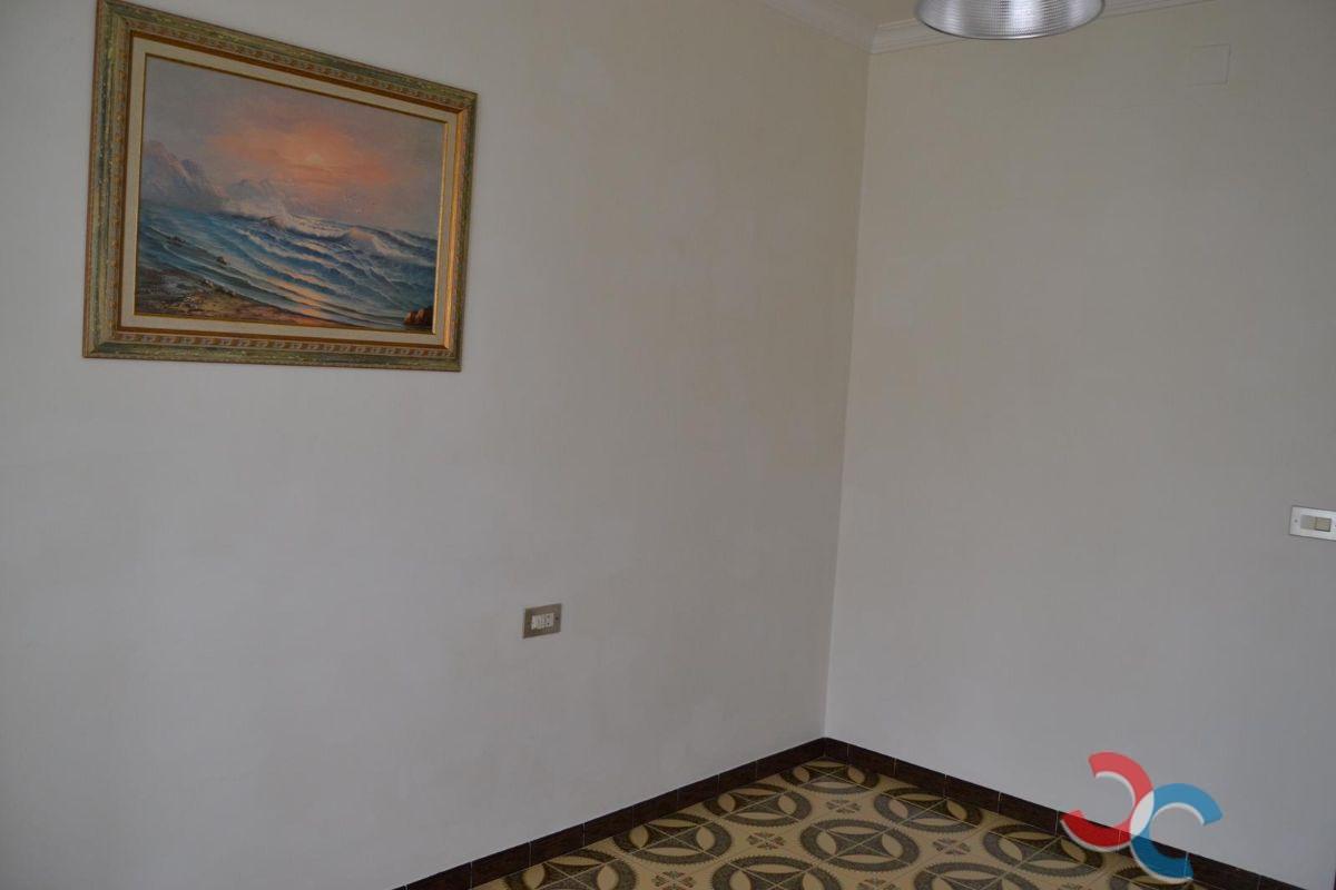 For sale of house in Valdoviño
