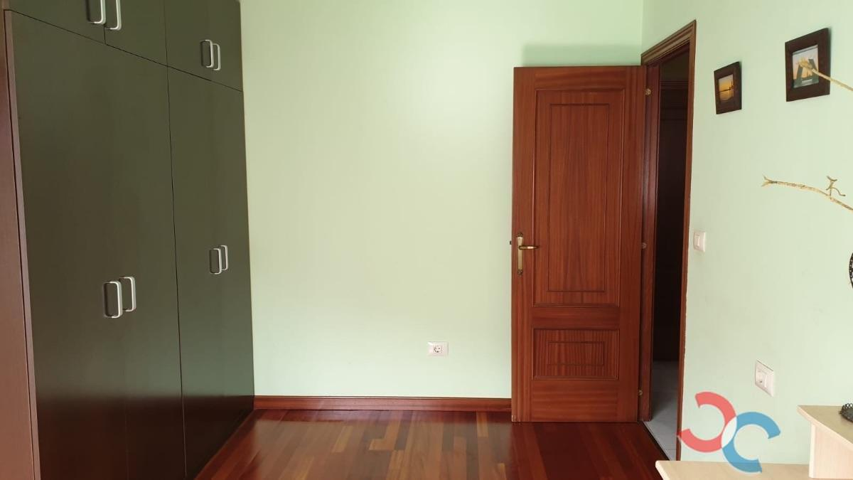 For sale of flat in Cangas