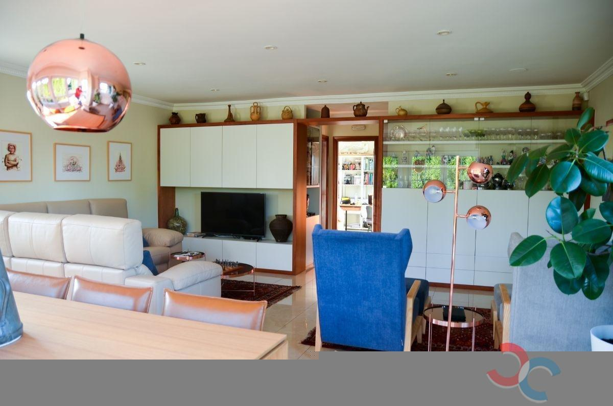 For sale of chalet in Culleredo
