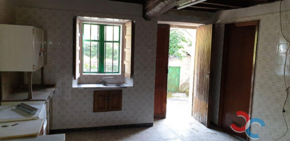 For sale of house in Moraña