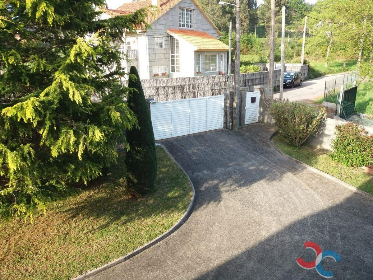 For sale of chalet in Nigrán
