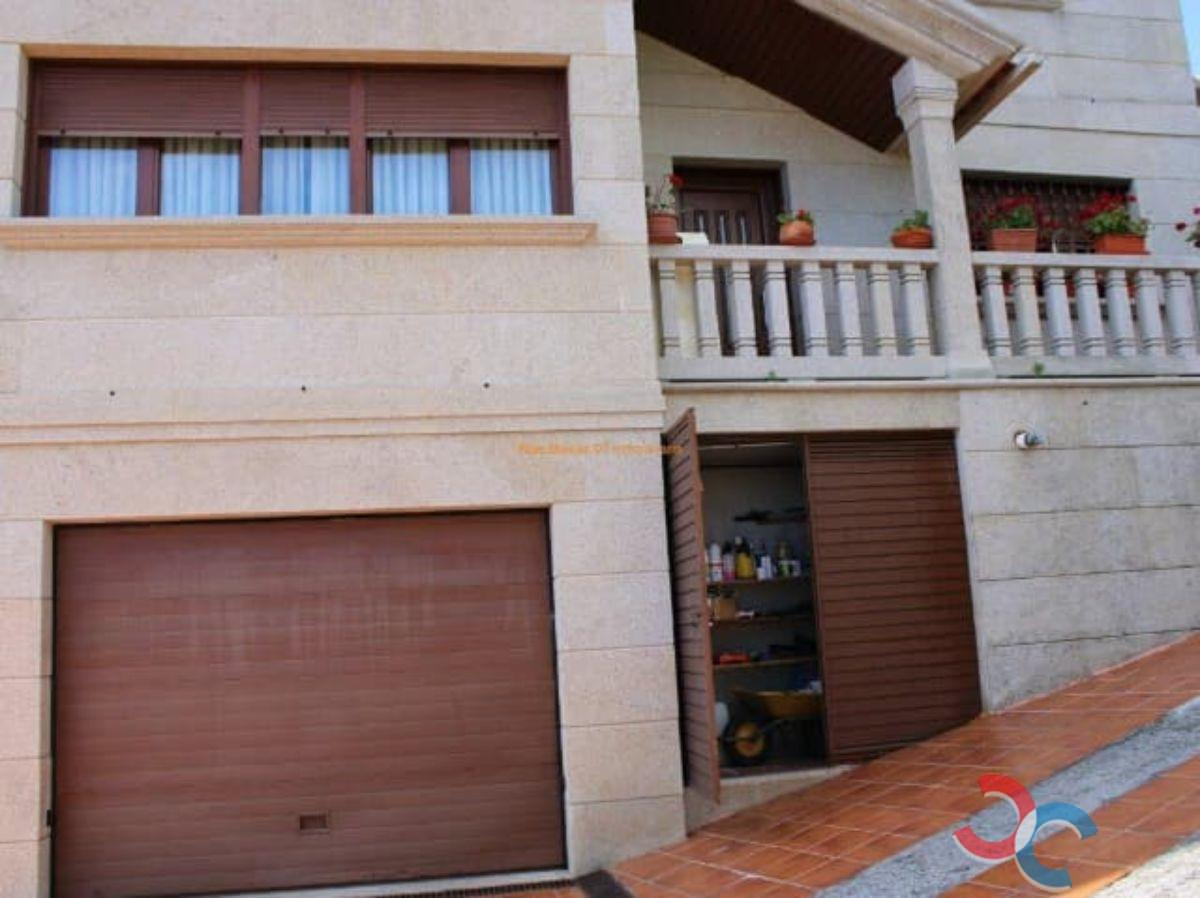 For sale of chalet in Cangas