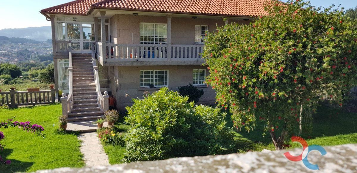 For sale of house in Poio