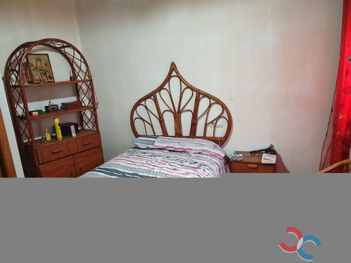 For sale of penthouse in Poio