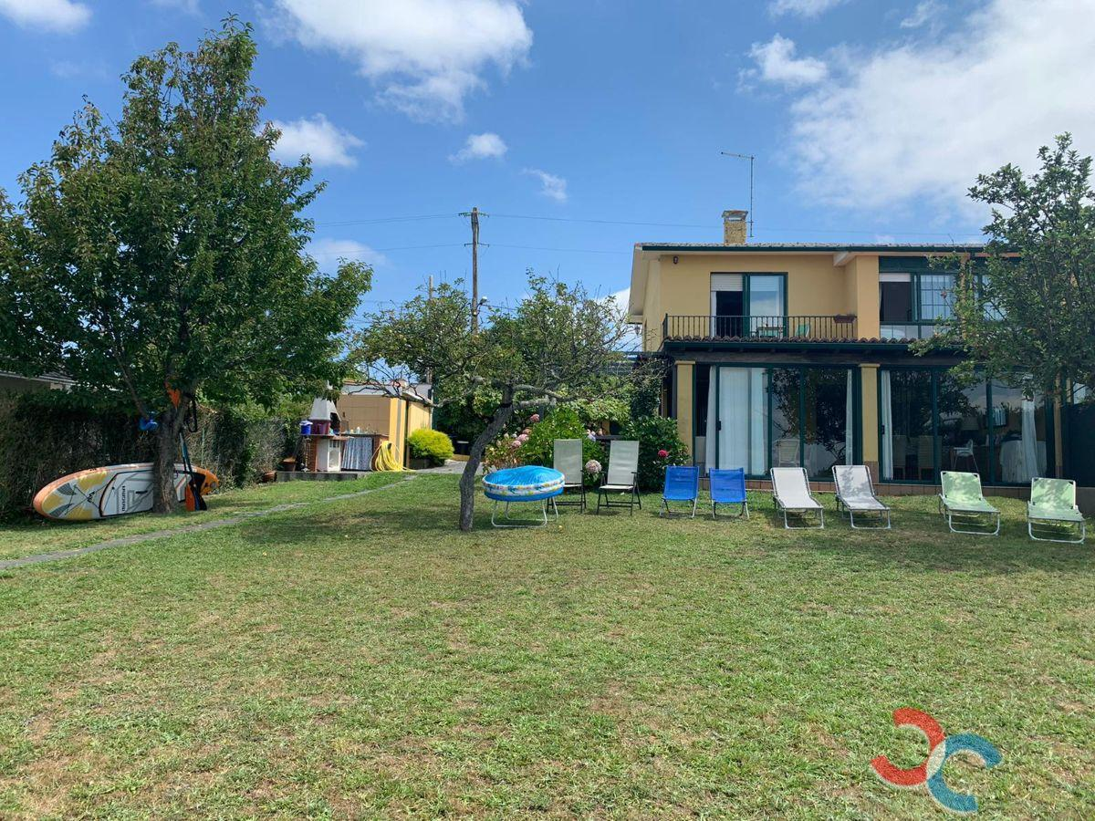 For sale of chalet in Ares