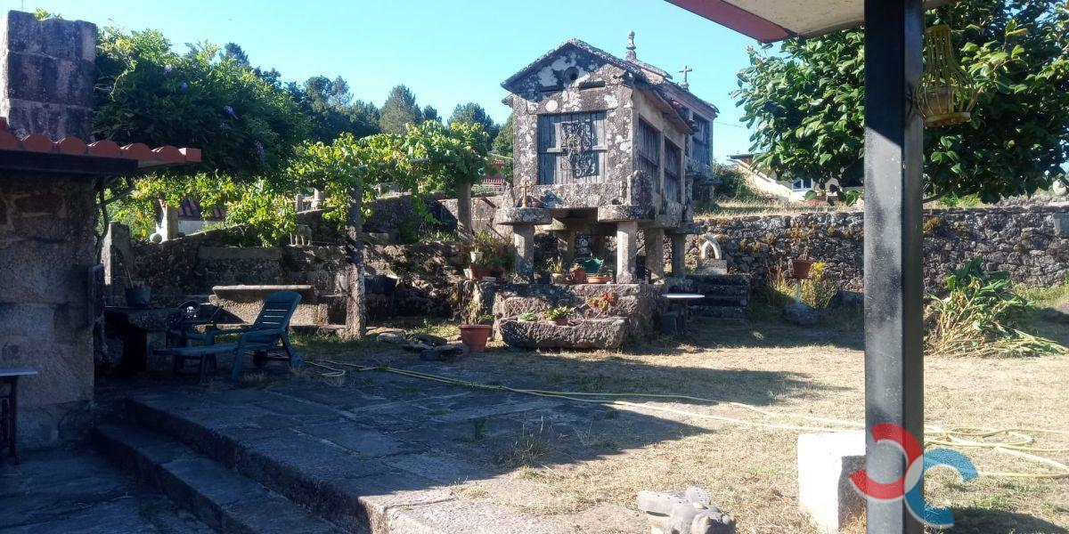 For sale of house in Campo Lameiro