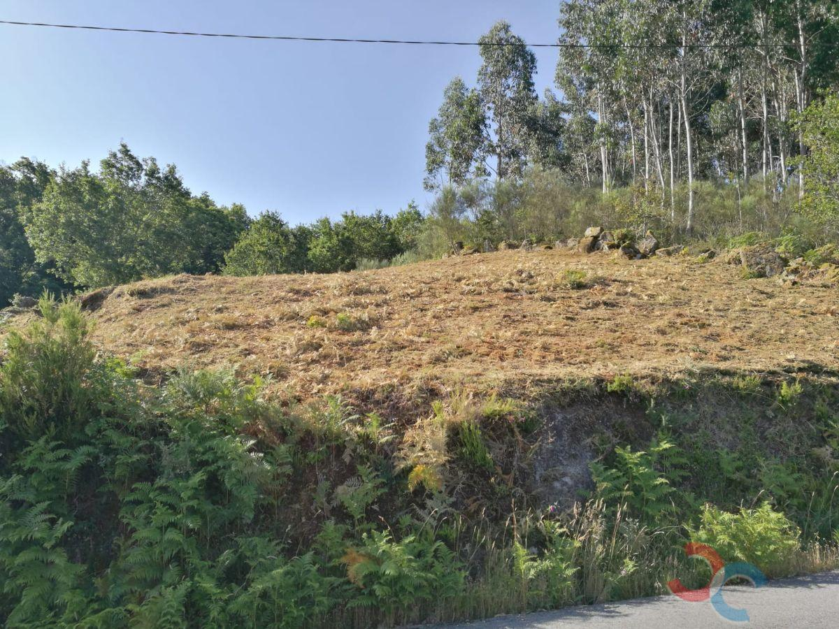 Venta de terreno en A Lama