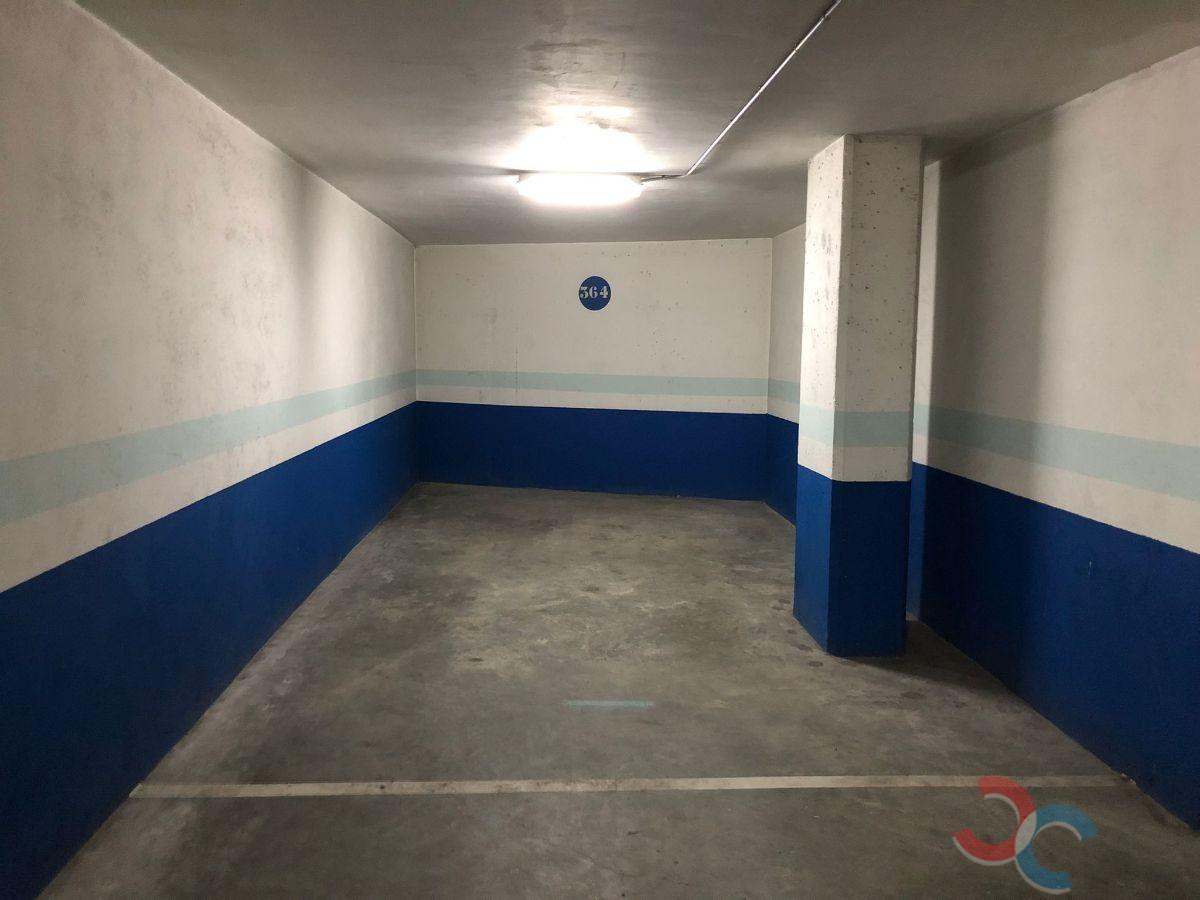 For rent of garage in Marín