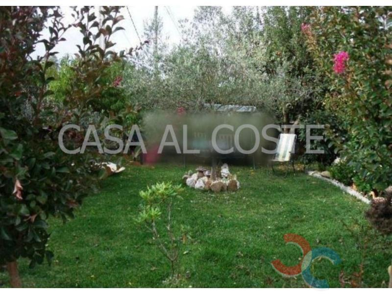 For sale of house in A Guarda