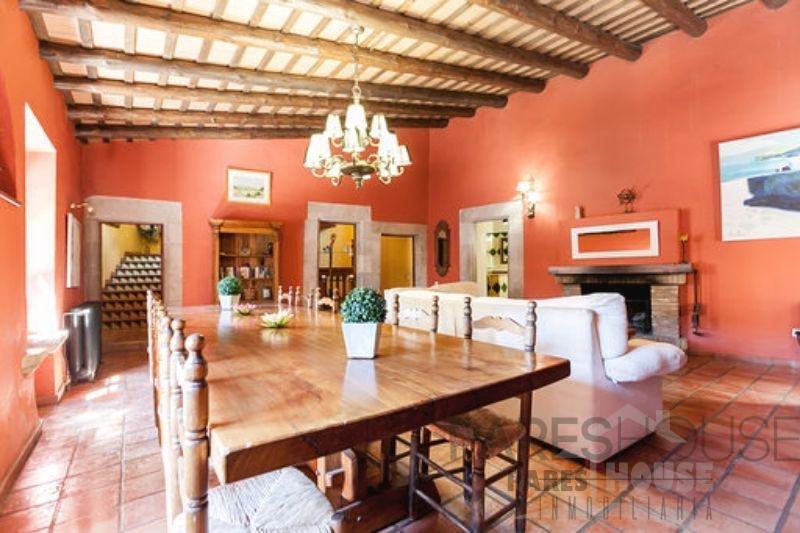 For sale of masia in Borrassà