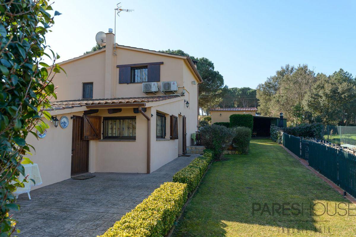 For sale of masia in Maçanet de la Selva