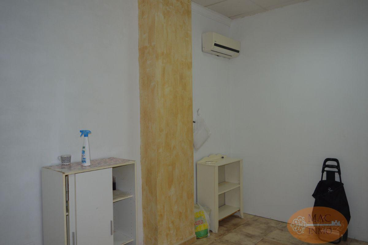 For sale of commercial in Puerto Serrano