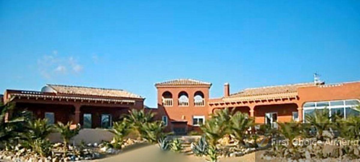 Venta de villa en Los Gallardos