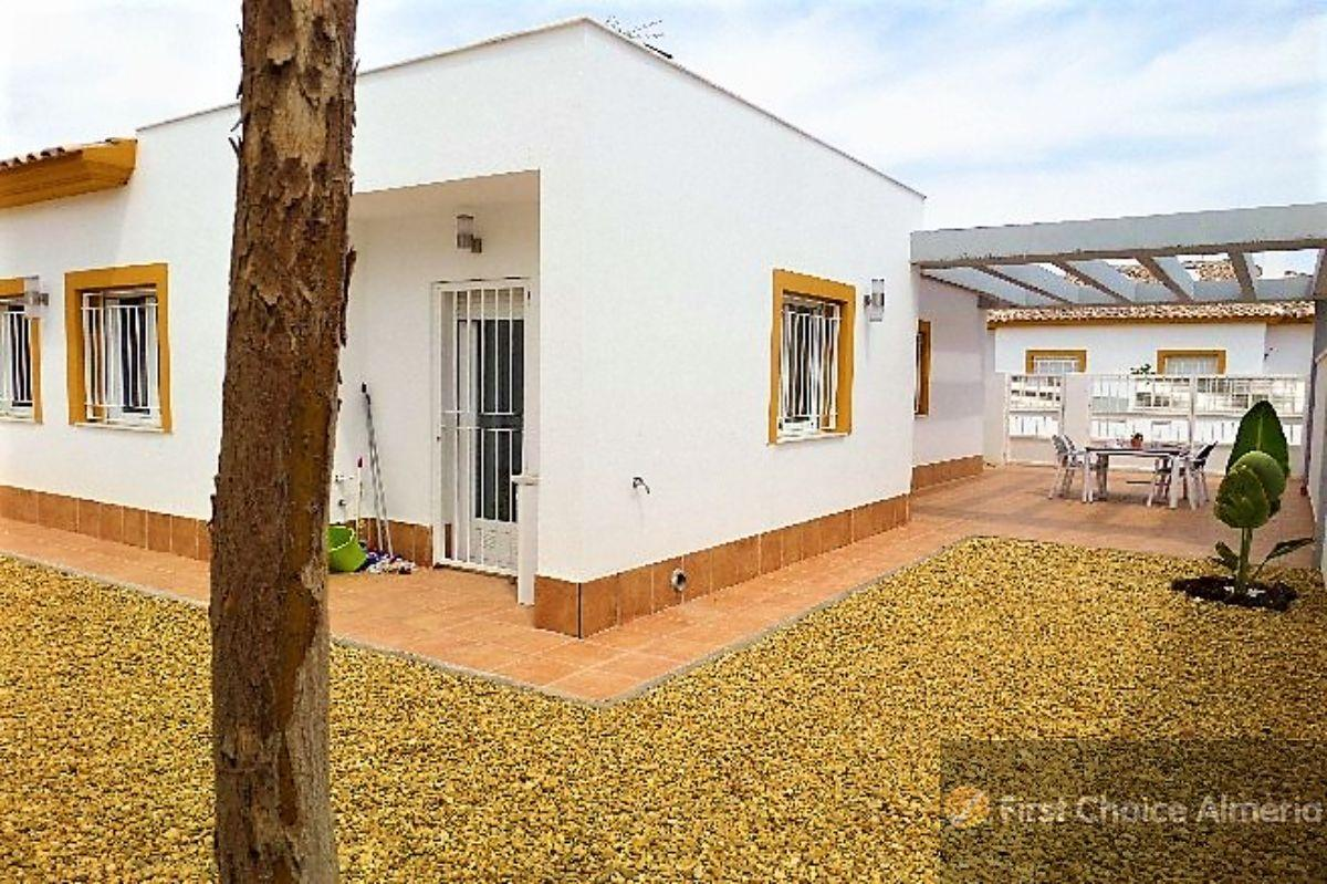 For sale of villa in Turre