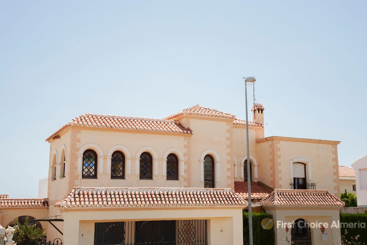 For sale of villa in Vera