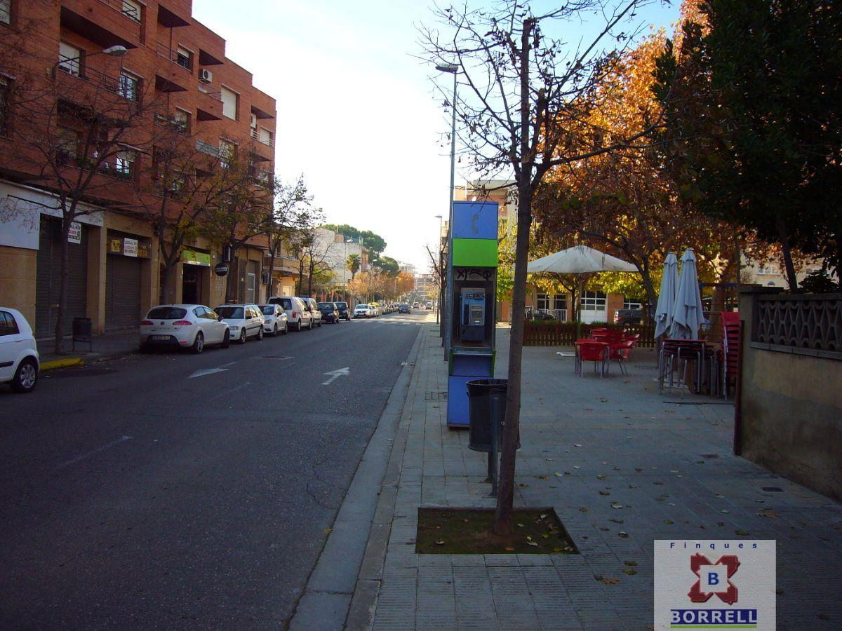 For sale of commercial in Lleida