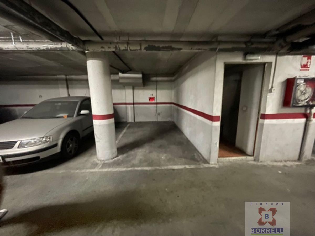 For sale of garage in Lleida