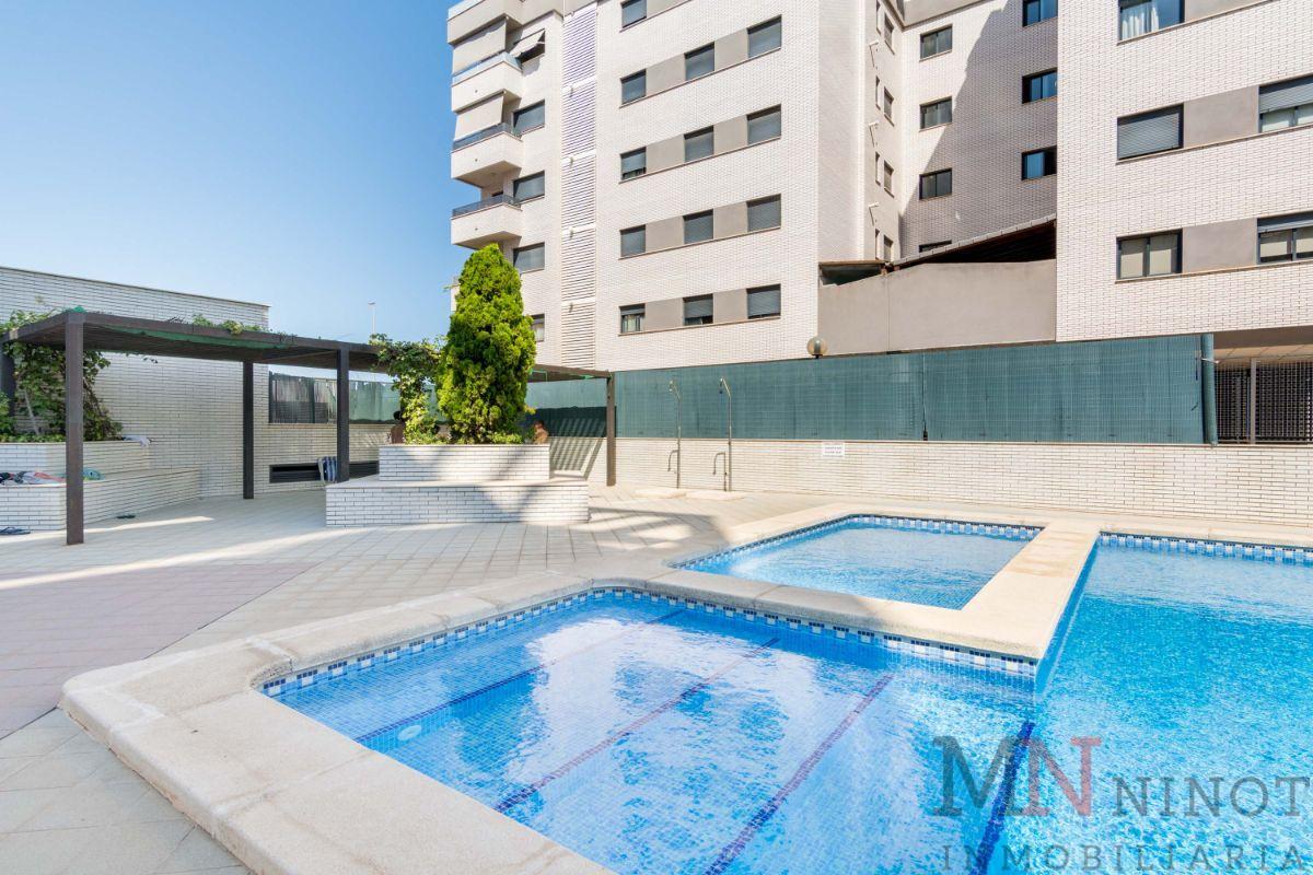 For sale of duplex in Castellón