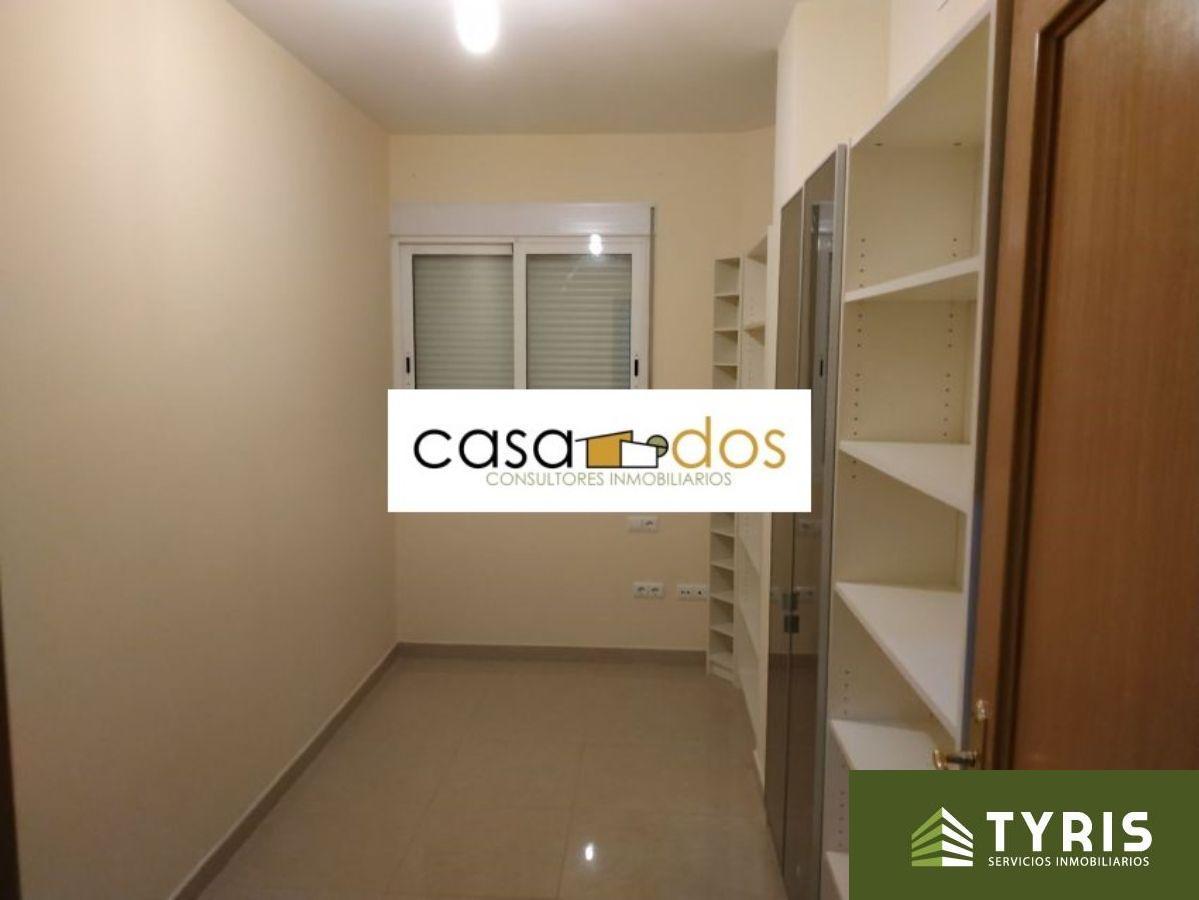 For rent of flat in La Pobla de Vallbona