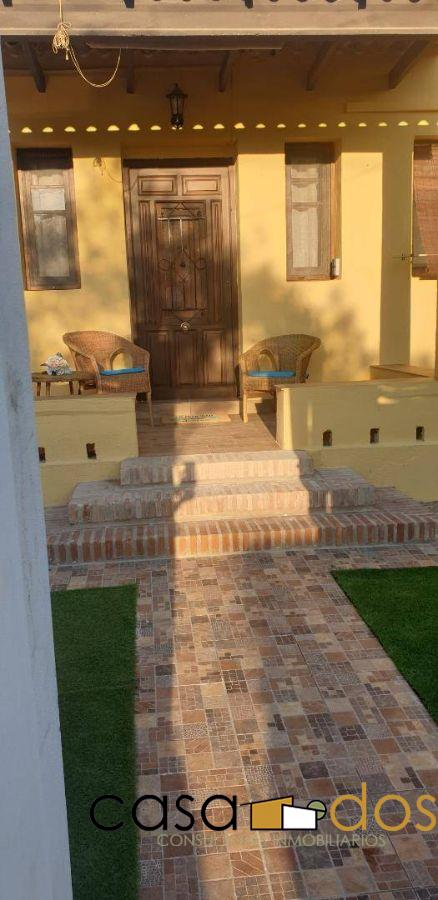 For rent of chalet in Paterna