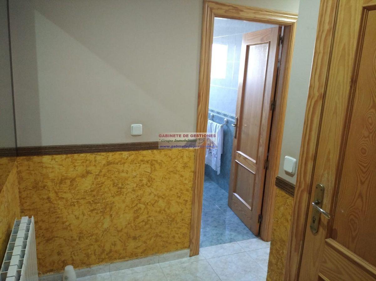 For sale of penthouse in La Roda