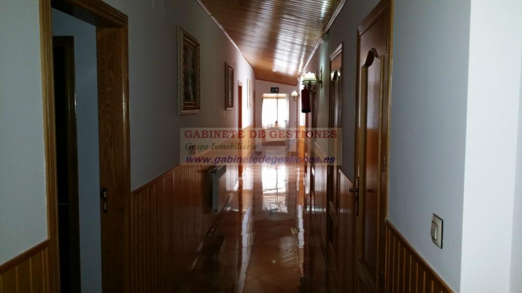 For sale of hotel in Alcaraz