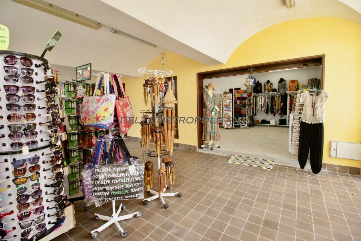 Lähetys  from  kaupallinen paikallinen  sisään   San Miguel de Abona