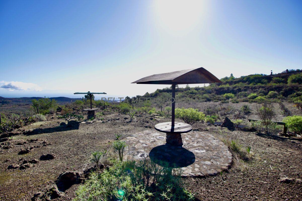For sale of rural property in San Miguel de Abona