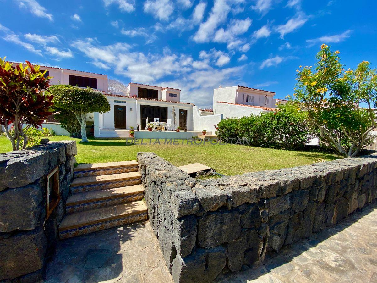 For sale of villa in San Miguel de Abona