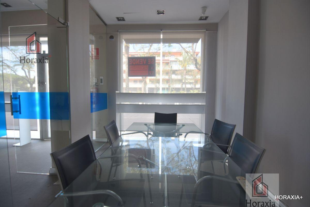 For sale of commercial in Gavà