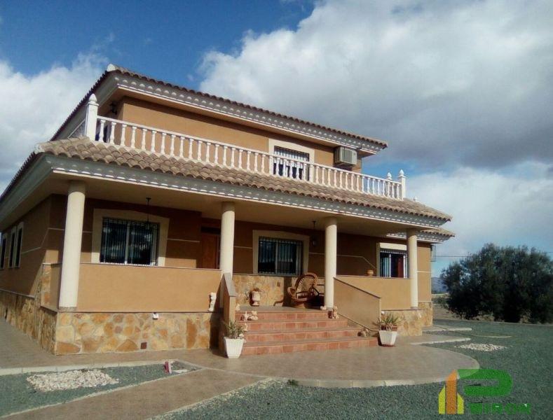 For sale of chalet in La Hoya de Lorca