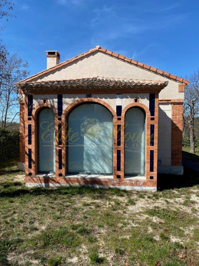For sale of house in Navas de Riofrío