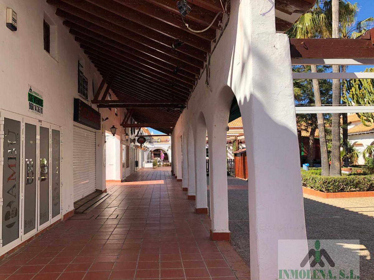 Venta de local comercial en La Manga del Mar Menor