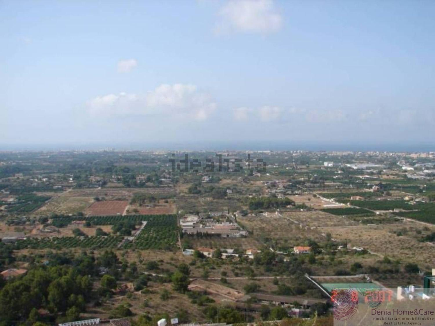 For sale of land in Dénia