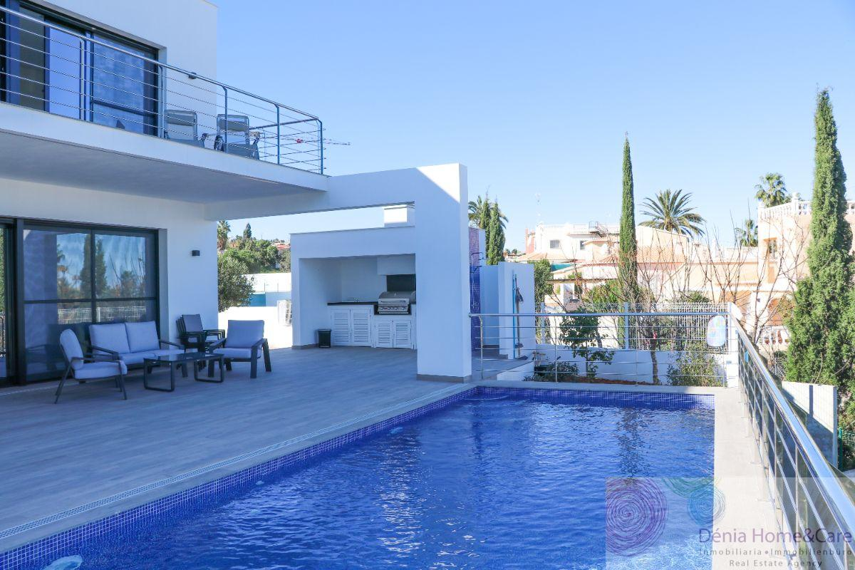 For sale of new build in Dénia