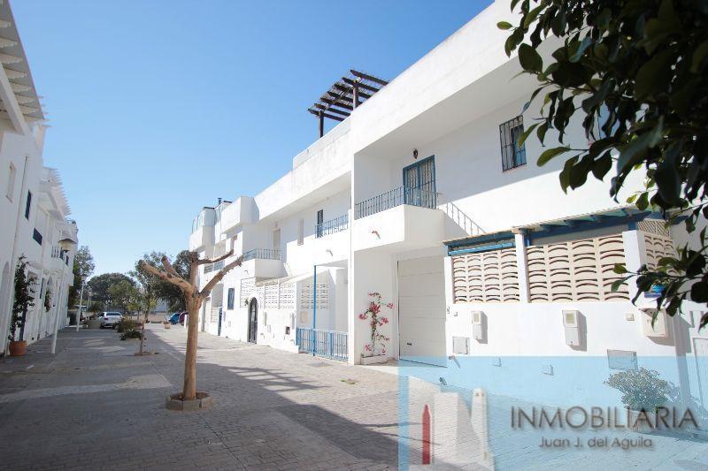 For sale of duplex in San José