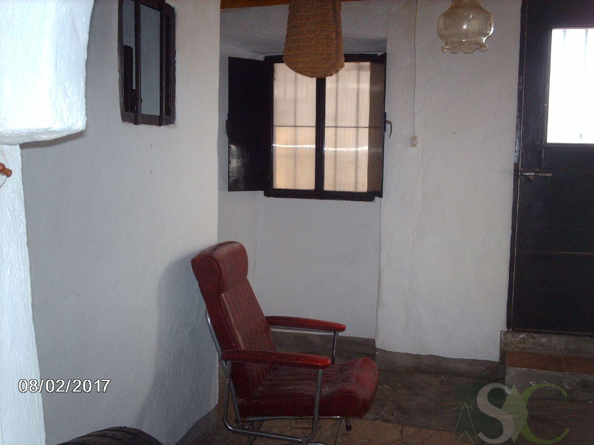 For sale of house in Cañete la Real
