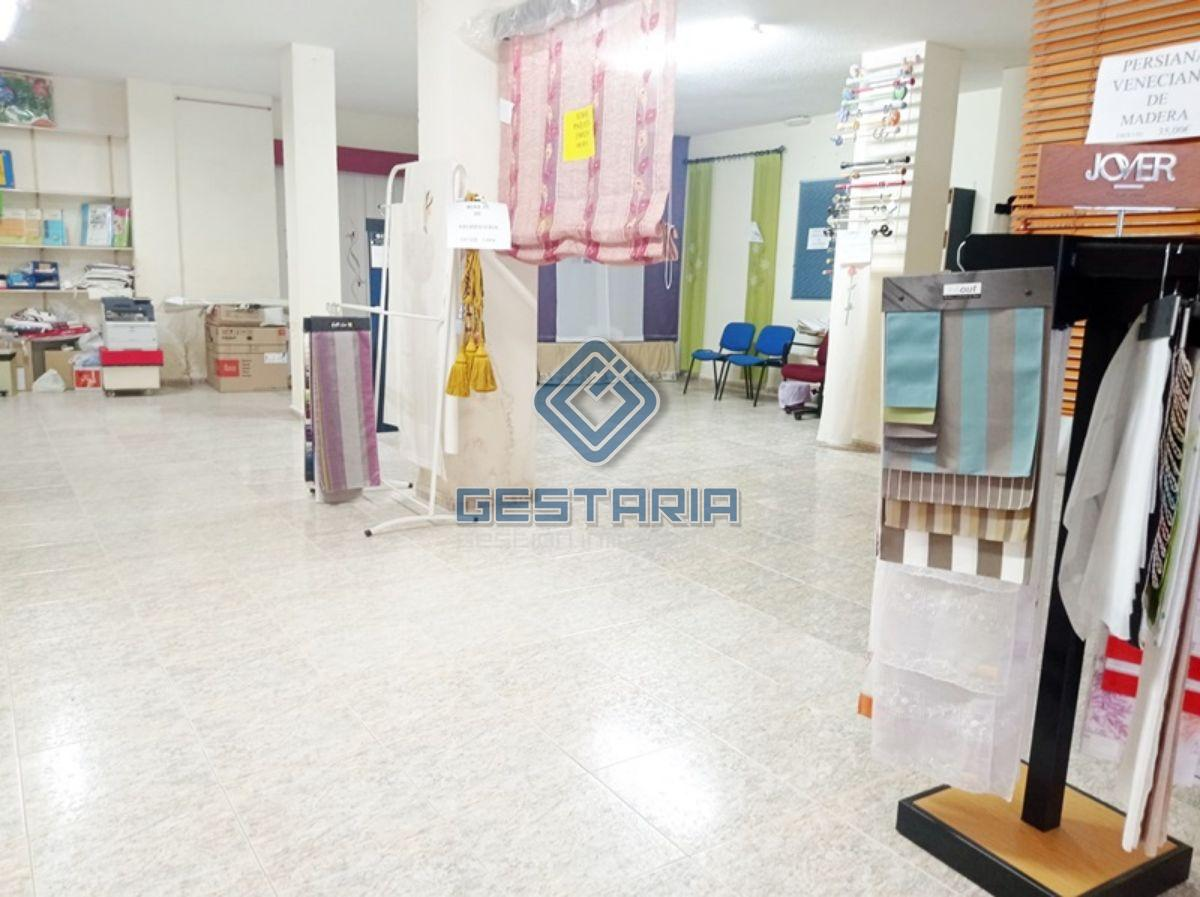 For sale of commercial in Mislata