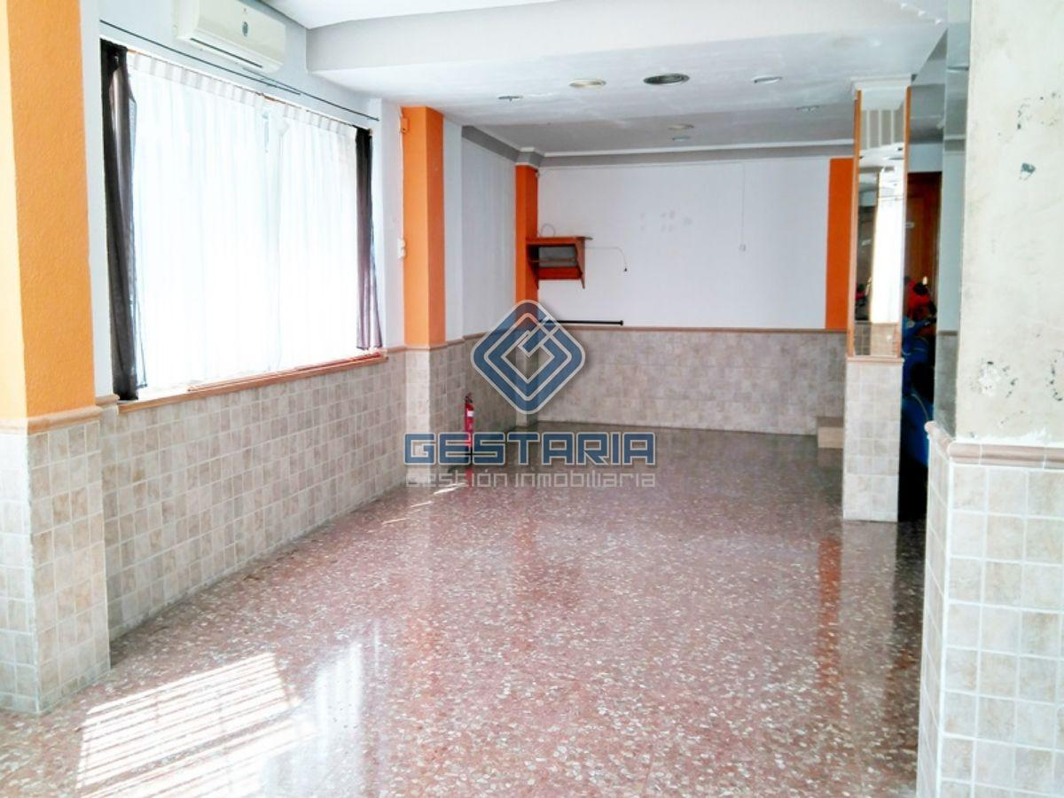For sale of commercial in Picassent