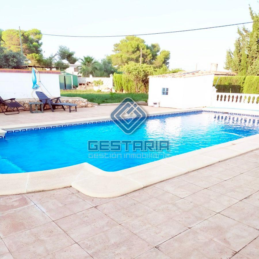 For sale of chalet in Picassent