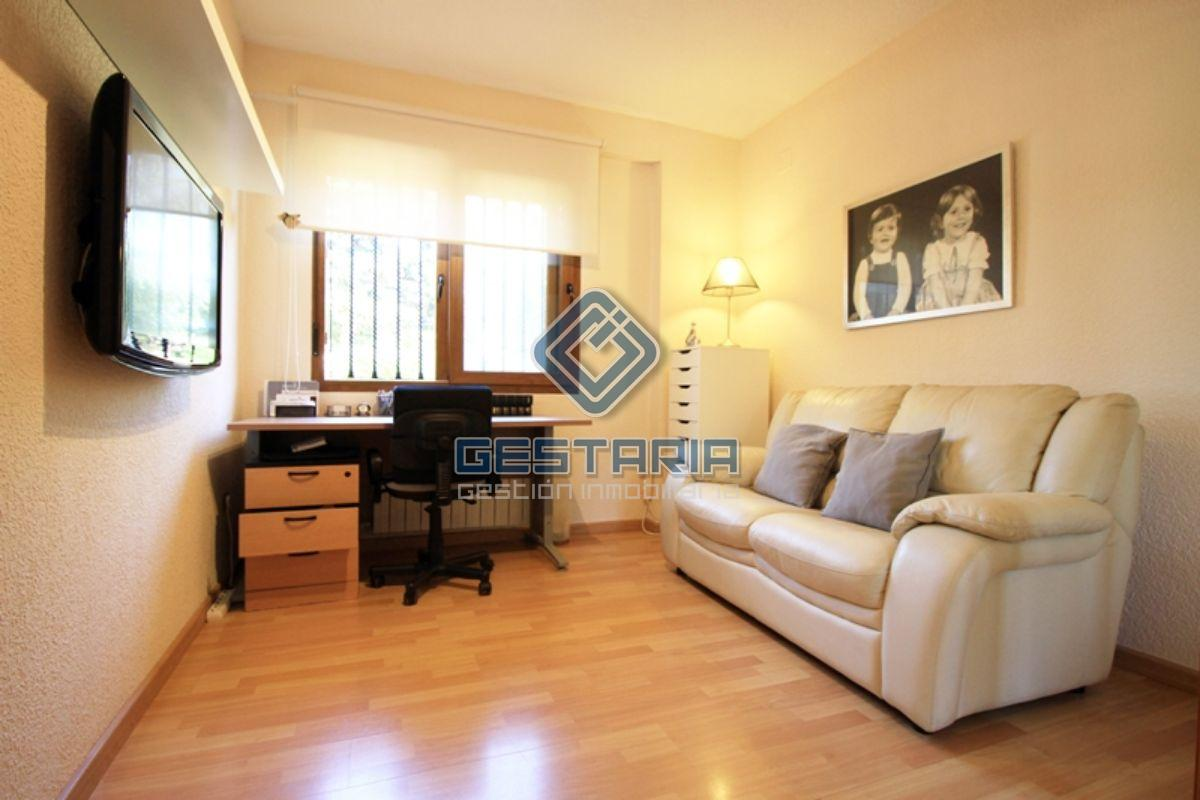 For sale of chalet in L´Eliana